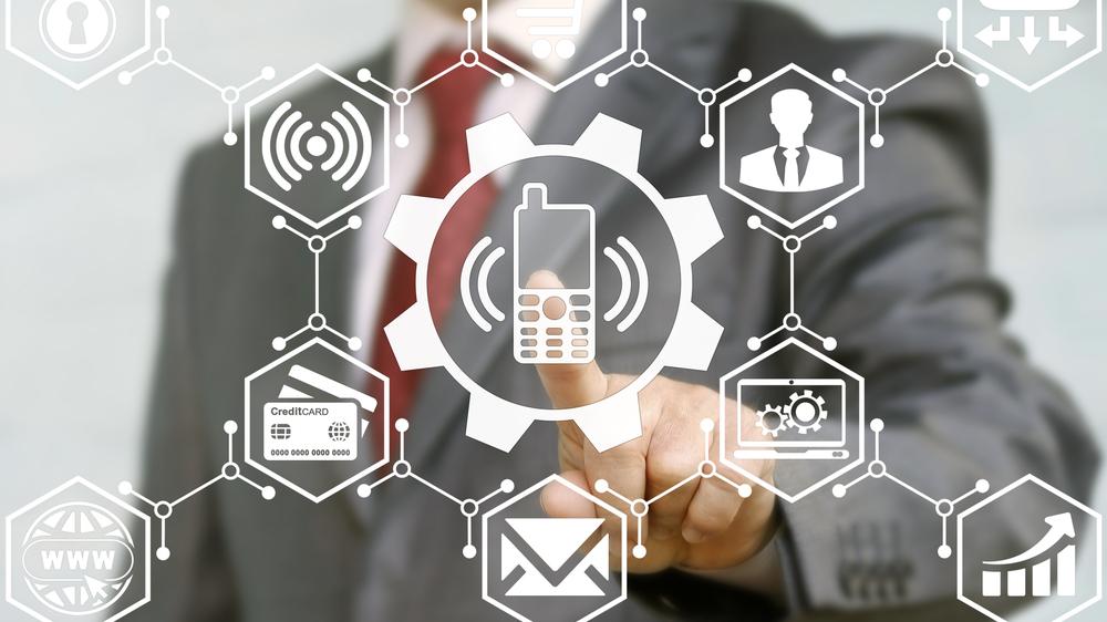 Mobiltelefon settes opp med ny informasjon